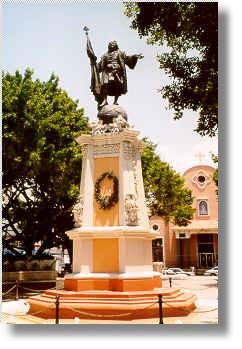 mayaguez estatua