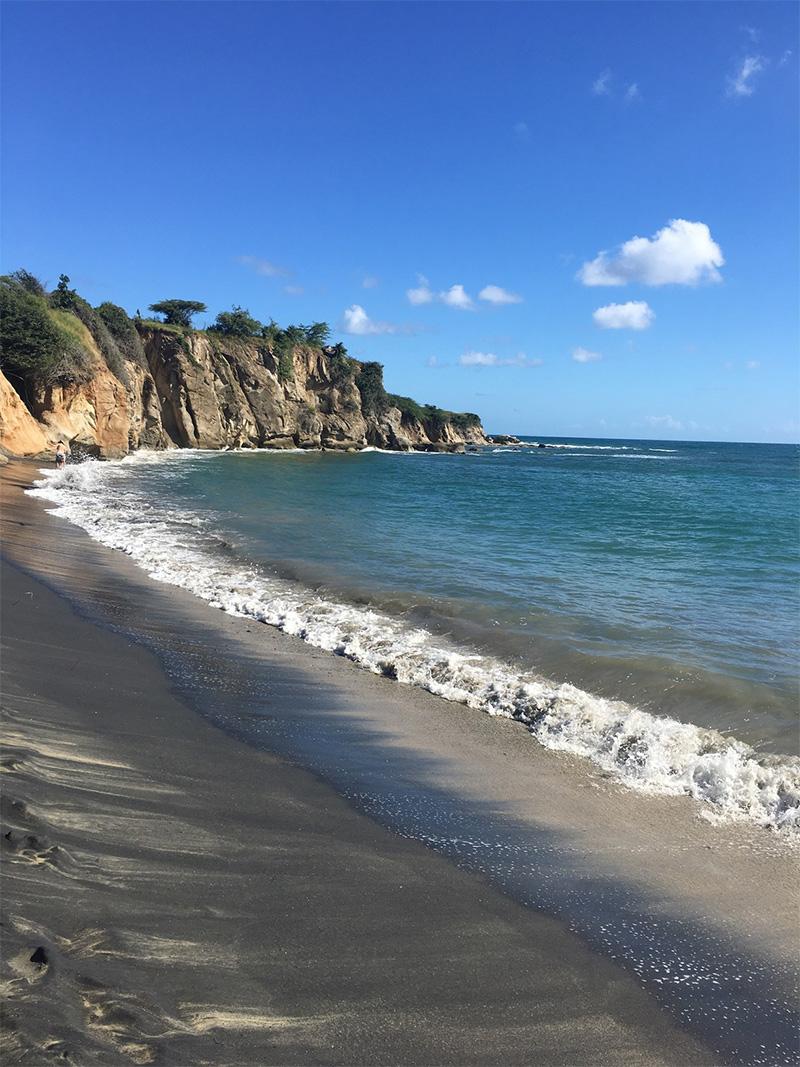 Playa Negra (Negrita)