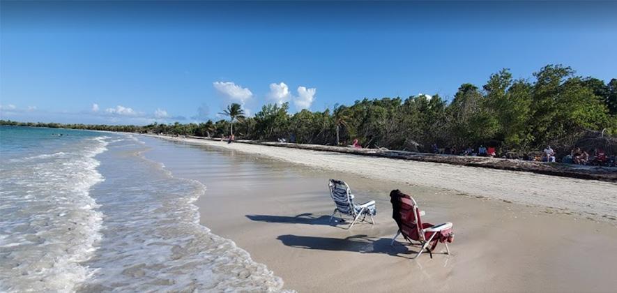 Playa Medio Mundo